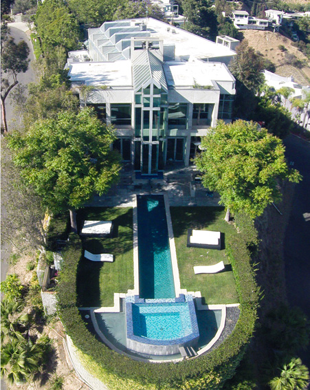 Hollywood hills celebrity homes for Celebrities that live in hollywood hills