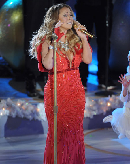 Mariah failed to reach the high notes during All I Want for Christmas is You song [Splash]