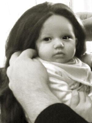 Katie Price puts Bunny in a wig [YouGossip]